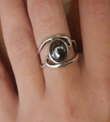 Prsten s hematitom