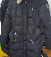 Prodajem Zimska jakna / bunda CRNA broj 38