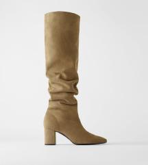 Čizme od brušene kože s potpeticom *CRNE BOJE*