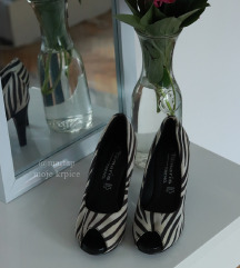 Tamaris zebraste cipele na petu
