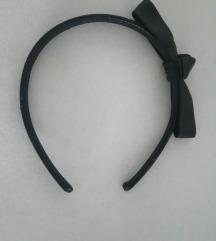 Crni rajf s mašnom od umjetne kože