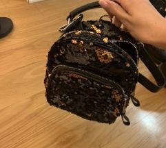 Zara mini ruksak sa sljokicama