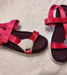 H&M niske sandale 80 kn