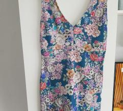 Pullbear haljina s cvijeticima