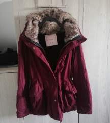 Pull and Bear bordo crvena zimska parka S