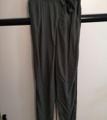 Nove Esmara zelene hlače veličina M