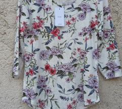Nova cvijetna majica