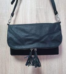 H&M crna torbica s preklopom