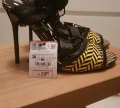 Nove Zara sandale br.38