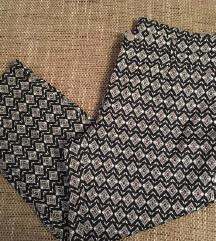 Nove hlače s etiketom