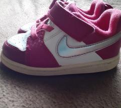 Original Nike tenisice vel 22