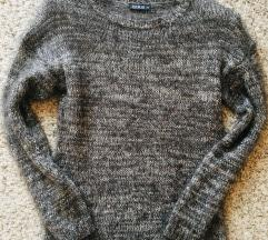 Sivi čupavi pulover džemper vel 36