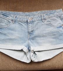 H&M svijetlo plave kratke hlačice