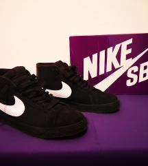 Nike SB Zoom Blazer Mid