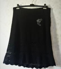 Crna pletena suknja