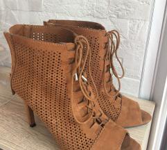 Cipele-gleznjace stradivarius 38