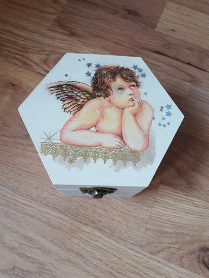 Ukrasna kutijica