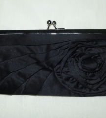 Nova crna torbica s ružom