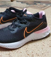 Nove Nike tenisice 40br