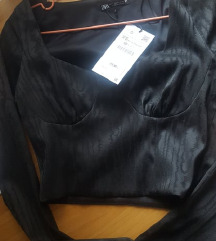 Zara top s etiketom