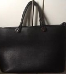 Prodajem crnu torbu