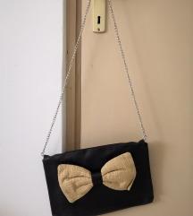 Crna torba s mašnom