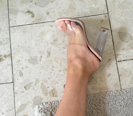 Nove perspex sandale