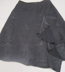 Siva suknja zmijskog printa