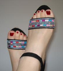 Nove sandale sa šljokicama