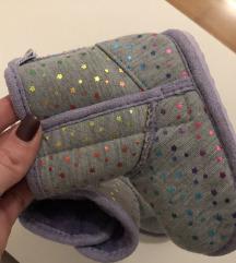 Nove papuče s etiketom