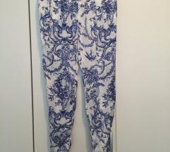 Zara Svilenkaste tanke hlače