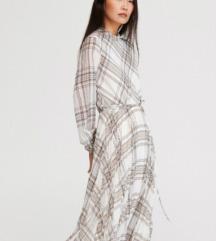 NOVO Reserved haljina