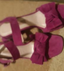 Zara prekrasne gamoš sandale