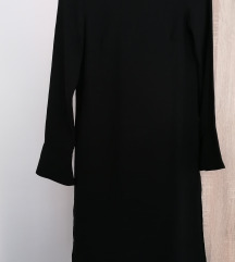 Crna haljina ravnog kroja