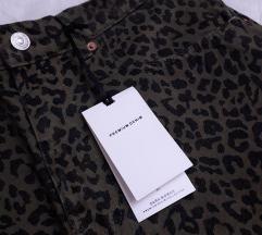 Zara mini suknja s uzorkom