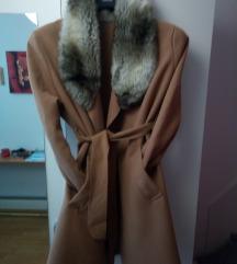 Novi camel preklopni kaput