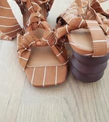 Reserved sandale na vezanje, 37