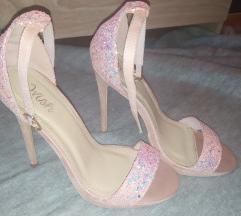 Nove Shoebox sandale sa šljokicama