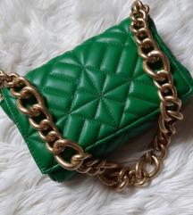 Zara hit zelena torba s lancem
