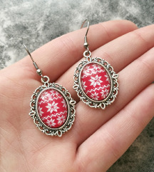 Lančić s privjeskom ''Red Christmas sweater''