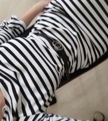 prugasta haljina sa rukavima na volane S
