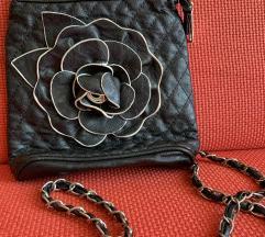 Crna torbica - besplatno!