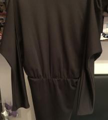 Crna mala tuba haljina