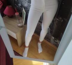 Bershka bijele hlače ljetne