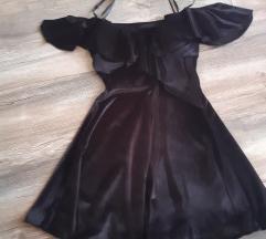 Nova crna plisana haljina