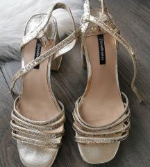 Stradivarius zlatne sandale