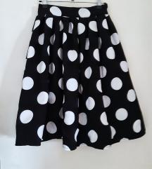 Crna suknja sa bijelim točkicama