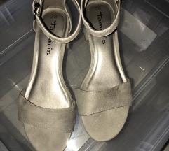 Sandalice s petom