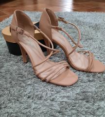 Nove sandale 37