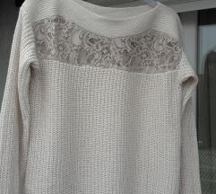 Guess pulover L novi